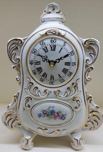 stolní hodiny české baroko porcelán bílé CZ