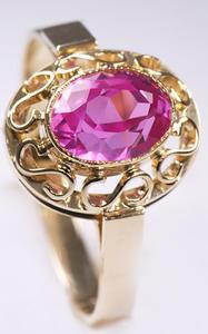 Zlatý prsten s rubínem P794