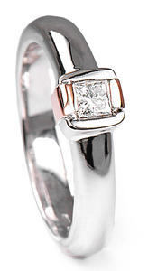 Zlatý prsten s diamantem PD265