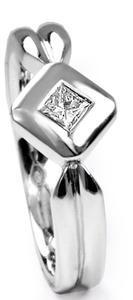 Zlatý prsten s diamantem PD312