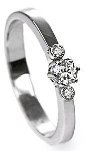 Zlatý prsten s diamanty PD376