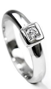 Zlatý prsten s diamantem PD409