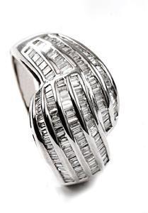 Zlatý prsten s diamanty PD496
