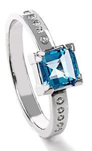 Zlatý prsten s topazem a diamanty PD526