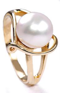 Zlatý prsten s perlou P630
