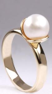 Zlatý prsten s mořskou perlou P784