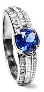 Zlatý prsten se safírem a diamanty PD489