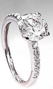 Zlatý prsten se zirkony P785
