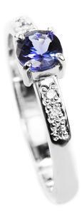 Zlatý prsten se safírem a diamanty 015161