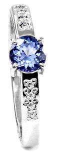 Zlatý prsten s tanzanitem a diamanty PD530
