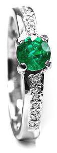 Zlatý prsten se smaragdem a diamanty PD412