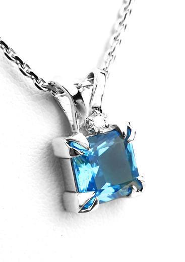 Zlatý přívěšek s topazem a diamanty 023609  - 1