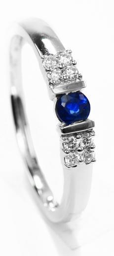 Zlatý prsten se safírem a diamanty 30146  - 1