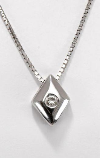 Zlatý přívěšek s diamantem P205