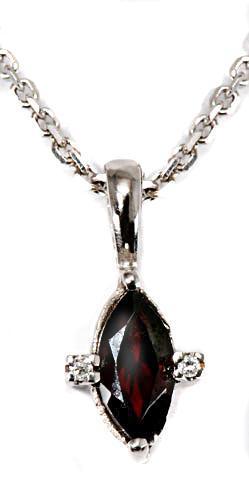 Zlatý přívěšek s granátem a diamanty P194