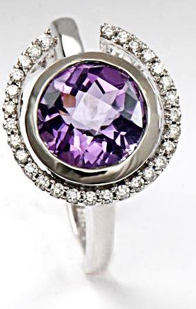 Zlatý prsten s ametystem a diamanty  PD106