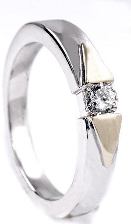 Zlatý prsten s diamantem PD238