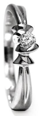 Zlatý prsten s diamantem PD416