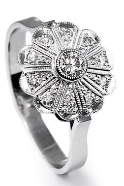 Zlatý prsten s diamanty PD356  - 1
