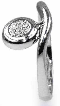 Zlatý prsten s diamanty PD175