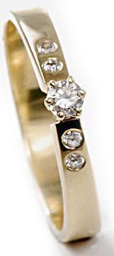 Zlatý prsten s diamanty PD490