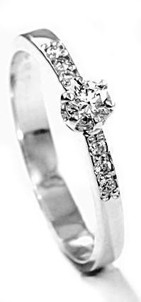 Zlatý prsten s diamanty PD491