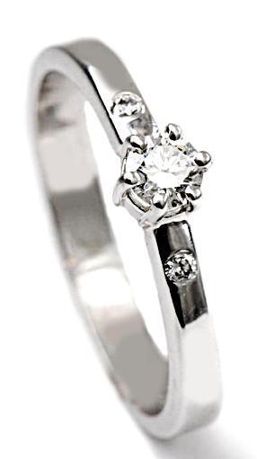 Zlatý prsten s diamanty PD500