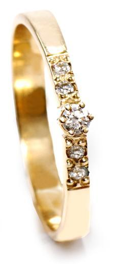 Zlatý prsten s diamanty PD516