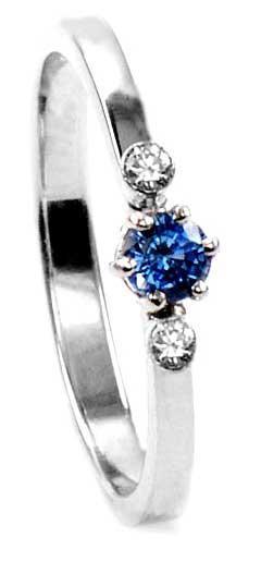 Zlatý prsten se safírem a diamanty PD531
