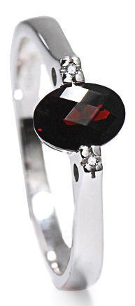 Zlatý prsten s granátem a diamanty PD350