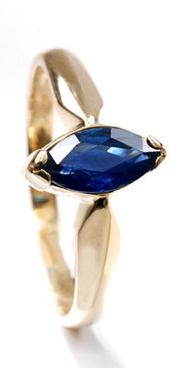 Zlatý prsten se safírem P917  - 1