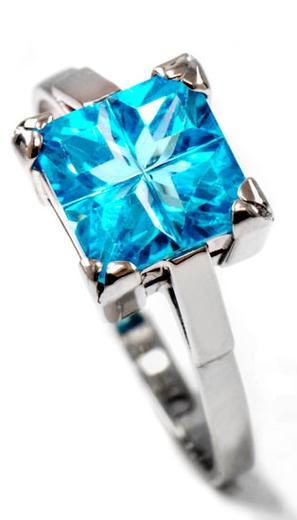 Zlatý prsten se zirkonem P962