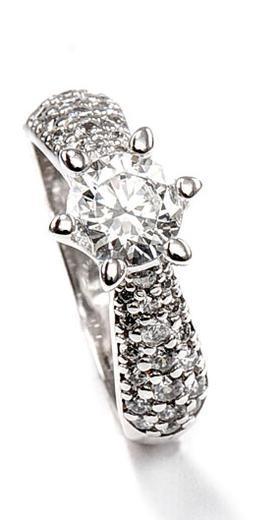Zlatý prsten se zirkony P960