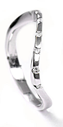 Zlatý prsten s diamanty PD142