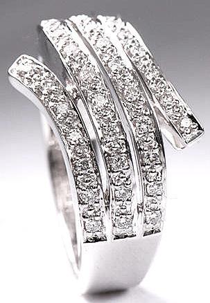 Zlatý prsten s diamanty PD156