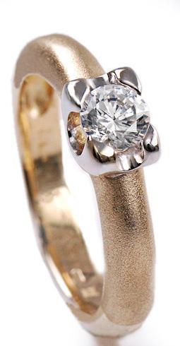Zlatý prsten se zirkonem P620