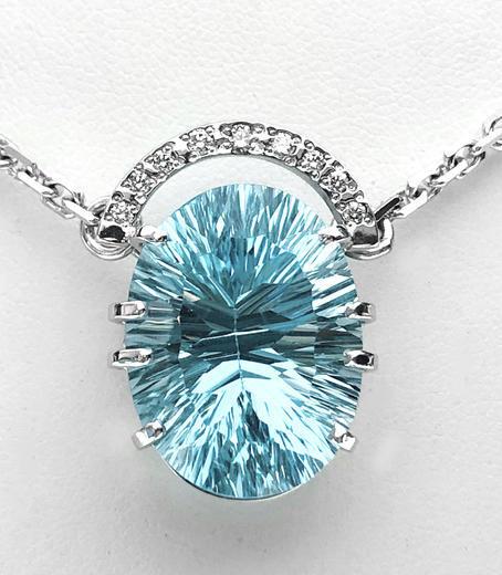 Zlatý přívěšek s topazem a diamanty Hvězdná brána 023559  - 1