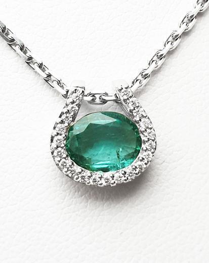 Zlatý přívěšek se smaragdem a diamanty 7060  - 1