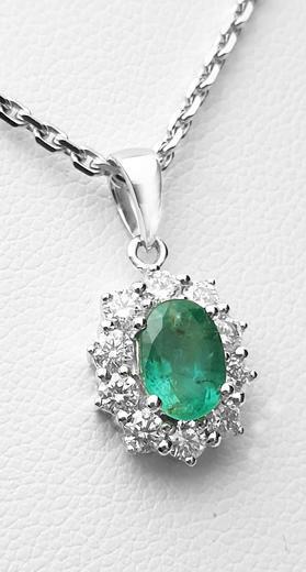 Zlatý přívěšek se smaragdem a diamanty 7075  - 1