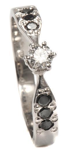 Zlatý prsten s diamanty PD2004