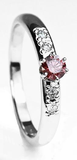 Zlatý prsten s růžovým diamantem 015361  - 1