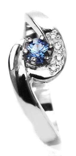 Zlatý prsten se safírem a diamanty 015083  - 1