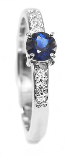 Zlatý prsten se safírem a diamanty 015159  - 1