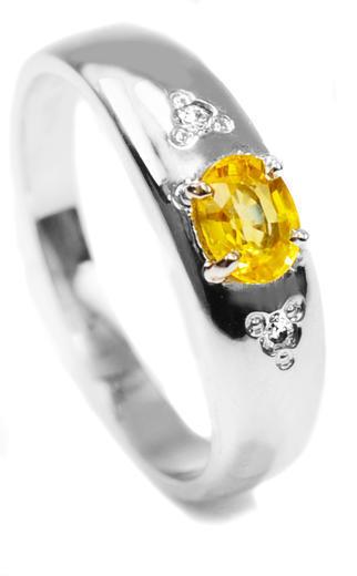 Zlatý prsten se safírem a diamanty 015297  - 1