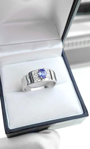 Zlatý prsten se safírem a diamanty 015097  - 2