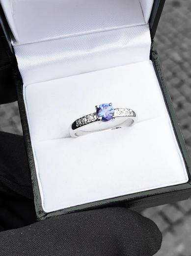 Zlatý prsten se safírem a diamanty 015161  - 2