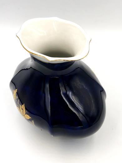 Socha Modrá vázička 25491  - 2