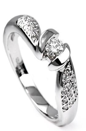 Zlatý prsten s diamanty PD311  - 2
