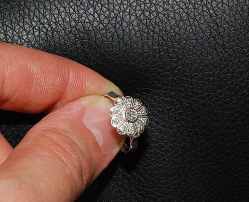 Zlatý prsten s diamanty PD356  - 2