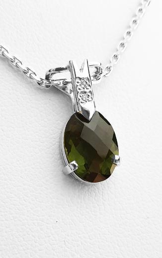 Zlatý přívěšek s vltavínem a diamanty 023463  - 2